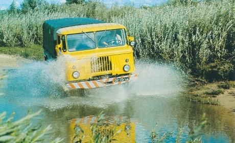 战斗民族产的GAZ66卡车有多牛?前苏联军方最爱,越野性能无人超越