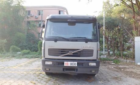 银行押运钦点品牌,标配防弹玻璃,即将退役的沃尔沃FL250卡车实拍