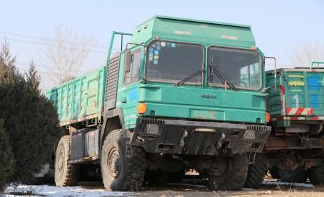 硬核卡车曼LX90型越野卡车实拍,龙江客车历史品牌沿革,提加一周好文推荐