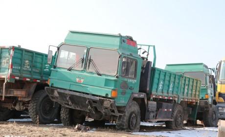 西北油田里最硬核卡车,上世纪90年代引进,曼LX90型越野卡车实拍