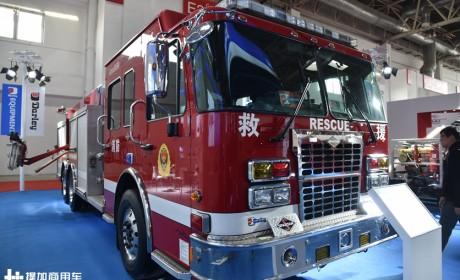少见的美国大力消防车实拍,国内服役超过10年,现在看配置依然前沿