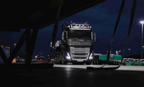 沃尔沃卡车推出全新沃尔沃FH16系列, 舒适度与澎湃动力的完美结合