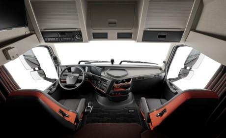 都在提高舒适性配置,为什么国产和进口卡车相比,还是差别很大?