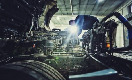 助力复工, 众志成城, ,奔驰卡车总成大修钜惠!