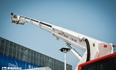 斯堪尼亚最新款驾驶室+博浪涛专业上装,带您见识一款世界顶级消防车!