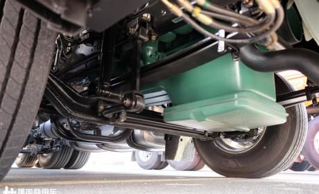 1.2米宽大卧铺,还有卡车专用厨房,解放JH6牵引车是怎么做到的?