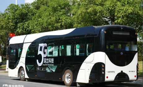真正的国产技术,上海申龙打造的无人驾驶公交上路了,你敢坐吗?