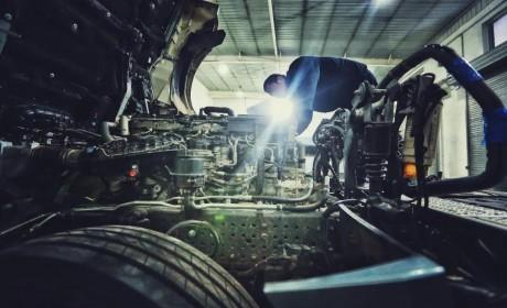 为用户打造安全健康的服务环境,奔驰卡车发布服务网点安全指南!