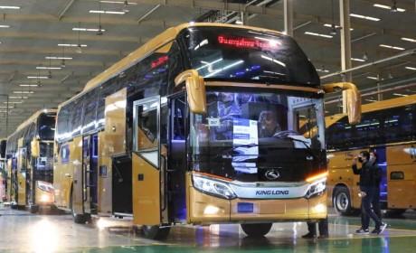 中国客车正在走向世界,213辆金龙豪华大巴交付沙特