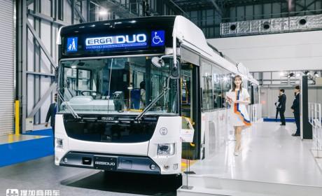 缺位市场30年,日野、五十铃合力开发混动车型,解读日本铰接巴士发展完结篇