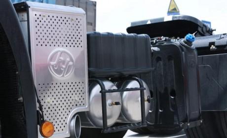 多载货、少费油 ,红岩杰狮2020牵引车专为物流业打造