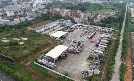 十台沃尔沃后提升FM460卡车交付危运企业茂名鑫泰