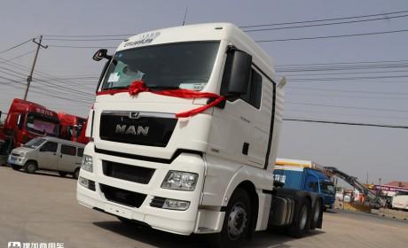 这是德国曼在国内主销的牵引车,480马力+驾驶室大空间,价格不到70万