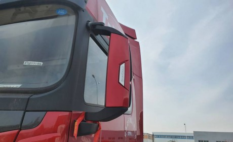 能见度越来越高,陕汽去年推出的德龙X5000,为什么那么多人喜欢?