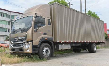 9米8超大货箱轻松装60方,还有双卧铺车型,实拍奥铃大黄蜂载货车