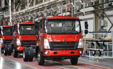中国重汽再创新高,HOWO轻卡月产突破18000辆