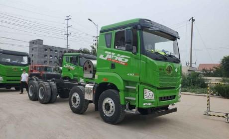法规改革,啥样的渣土车才能合法上路?实拍解放JH6燃气渣土车带您好好看看