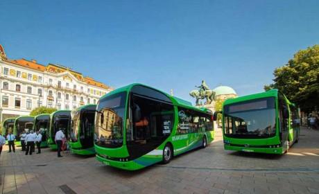 喜迎史上首批新能源大巴,比亚迪纯电动大巴走进匈牙利古城