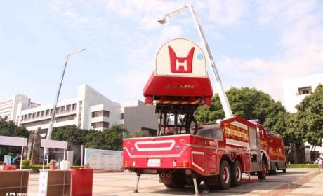 曾是国产高端卡车的希望,如今相当少见的,实拍罕见的青年曼消防车
