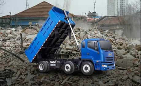 攻克城建渣土运输、无惧复杂路况,有江淮三轴工程车!
