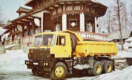 风靡一时的越野之王,有哪些硬核配置?提加侃卡车带您走进太脱拉T815