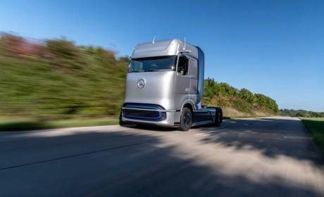 戴姆勒卡车旗下梅赛德斯-奔驰燃料电池概念卡车全球首发
