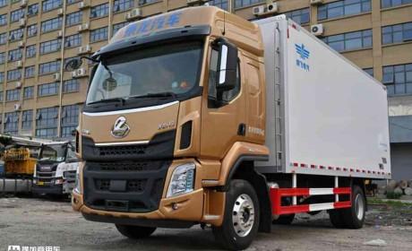 6.8米载货车也有平地板?6缸动力更强劲,乘龙H5中卡实拍