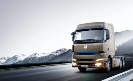 远程LNG重卡、甲醇牵引车、增程牵引车集结,创富首选吉利商用车