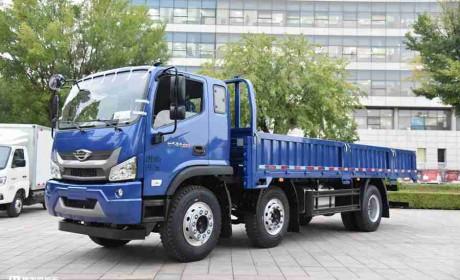 领航ES5三轴载货车实拍,配220马力潍柴国六动力,只卖18万性价比真高