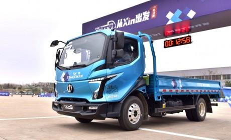 2020轻卡年度车型盘点,最具创意营销的轻卡车型,飞碟W系实至名归