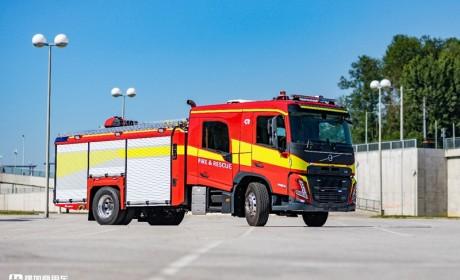 沃尔沃特种卡车再添新干将,全新FM双排座消防车型发布,配置高端
