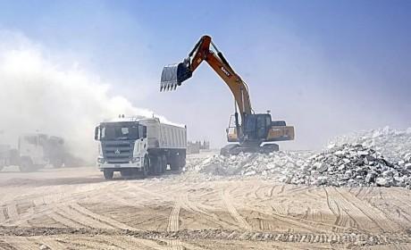 助力一带一路示范工程,人民日报两次聚焦!三一重卡首批出口牵引车在科威特
