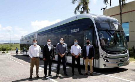 巴西首台本地制造的纯电动铰链式大巴正式亮相