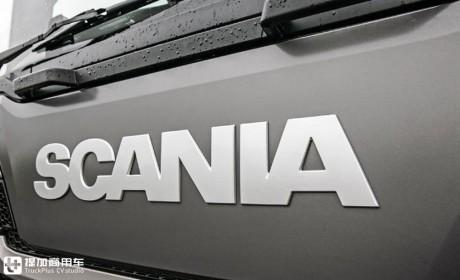 车高不超3米,低入口斯堪尼亚L系8X4自卸车,跑工地一样强悍