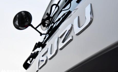 15.6升发动机更节油,底盘可靠性提升,新升级的庆铃巨咖重卡实拍