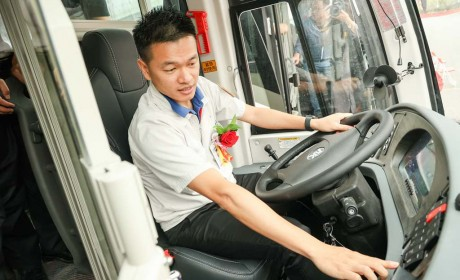 升级包车客运服务,25辆安凯纯电动A6交付广汽交通