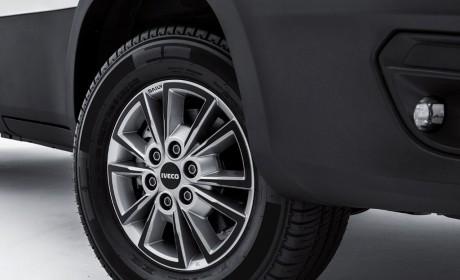 依维柯发布新一代Daily轻型商用车和小改款S-WAY牵引车,带您看看都有哪些升级改进