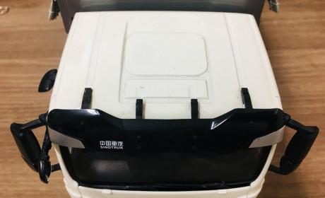 内饰细节做工优良,汕德卡C6G 6×4城市渣土车模型实拍