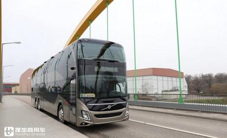 4米车高,既是城市公交又是长途大巴,带您领略沃尔沃9700 DD新款双层巴士的魅力