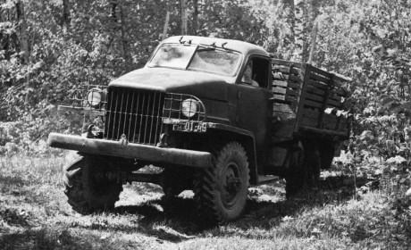 真正的老卡车,最早生产于1948年,国内现存的前苏联嘎斯63载货车实拍