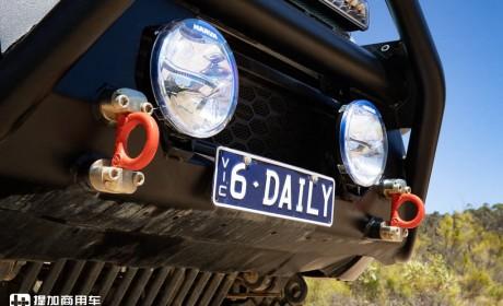 """依维柯原厂改装,双排座底盘抬高,4×4全驱Daily越野""""小钢炮""""试驾评测"""