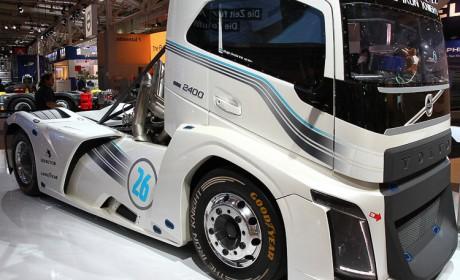 2400马力,迄今为止速度最快的卡车,带您近距离体验沃尔沃钢铁骑士赛车