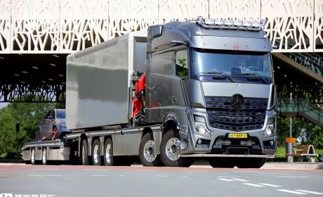 将Arocs和Actros融为一体,耗时一年打造,带您看科技公司老总的炫酷改装巡展卡车