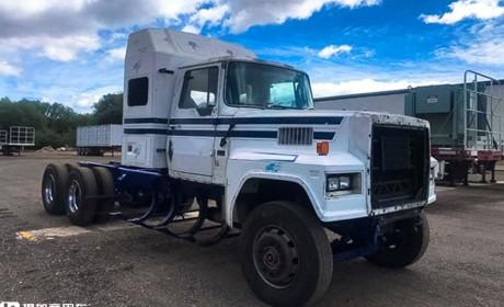 高龄卡车复活记:40多年前的福特LTL 9000长头卡车,重回第二春