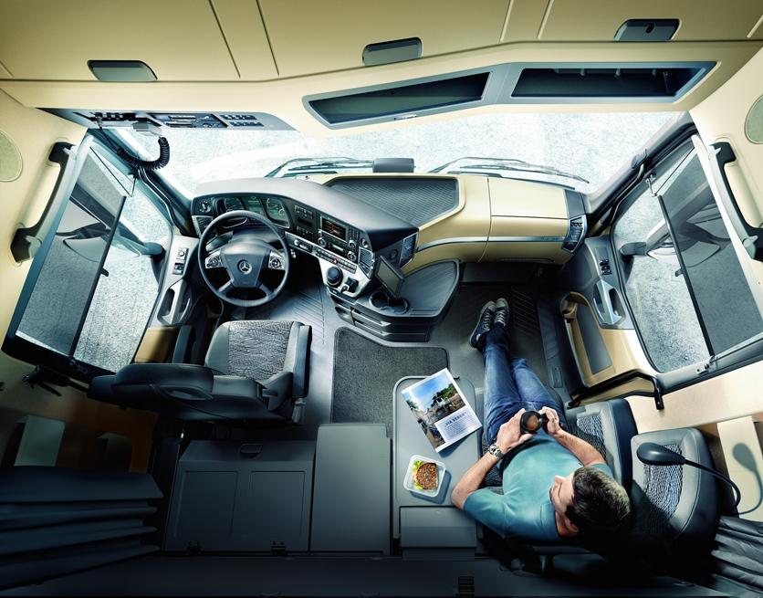 德国奔驰进口卡车_独家| 都在提高舒适性配置,为什么国产和进口卡车相比,还是 ...