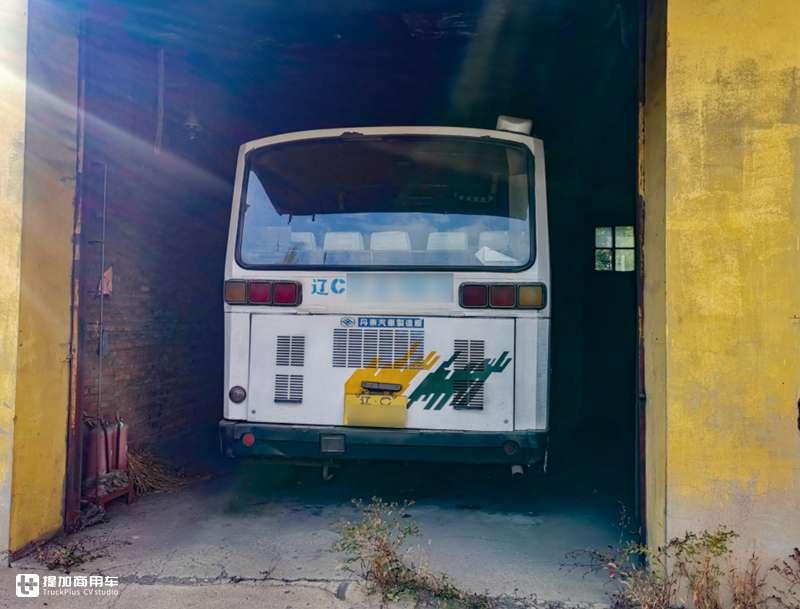 80年代畅销的客车,有着三菱的外表的这款黄海客车,还有人记得吗